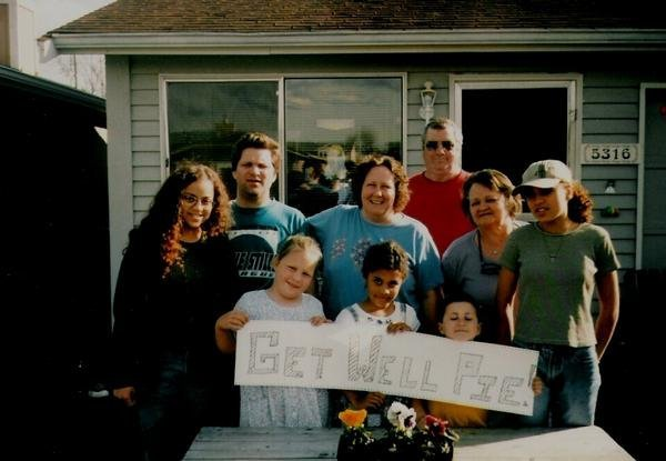 """what would you do if you knew you would be dead in just 2 years? The family took a photo on Easter Day 1998. """"Pie"""" was mom's nickname. Get Well Pie."""